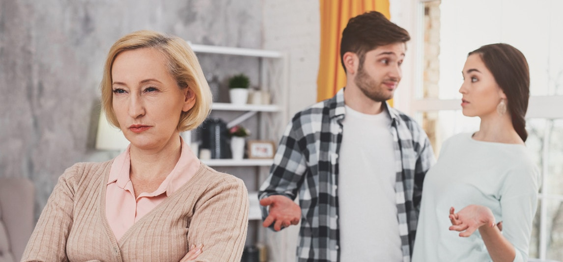 signs your mother in law is manipulative