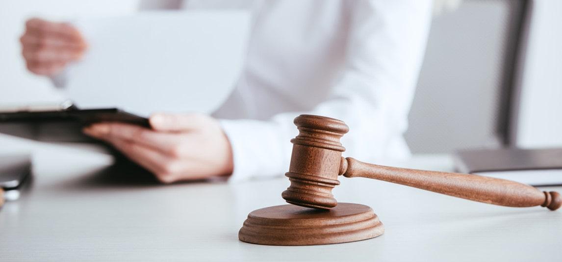 hiring white collar crime attorney